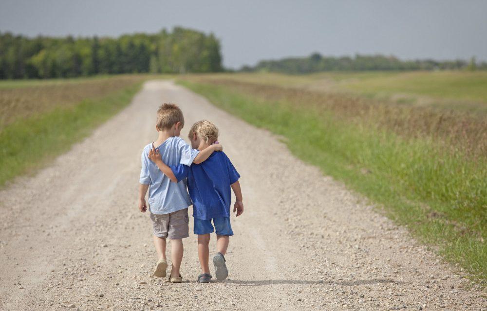 Comment transformer celui avec qui tu as une animosité en un ami chaleureux