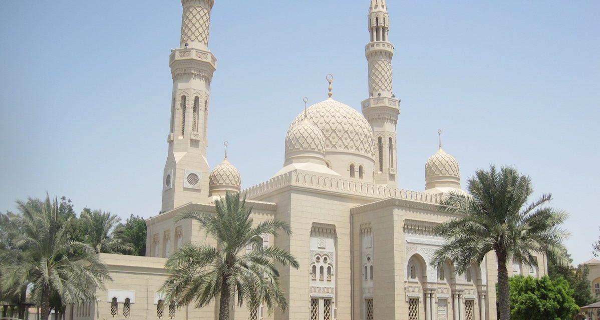 N'allez pas à la mosquée avec precipitation !